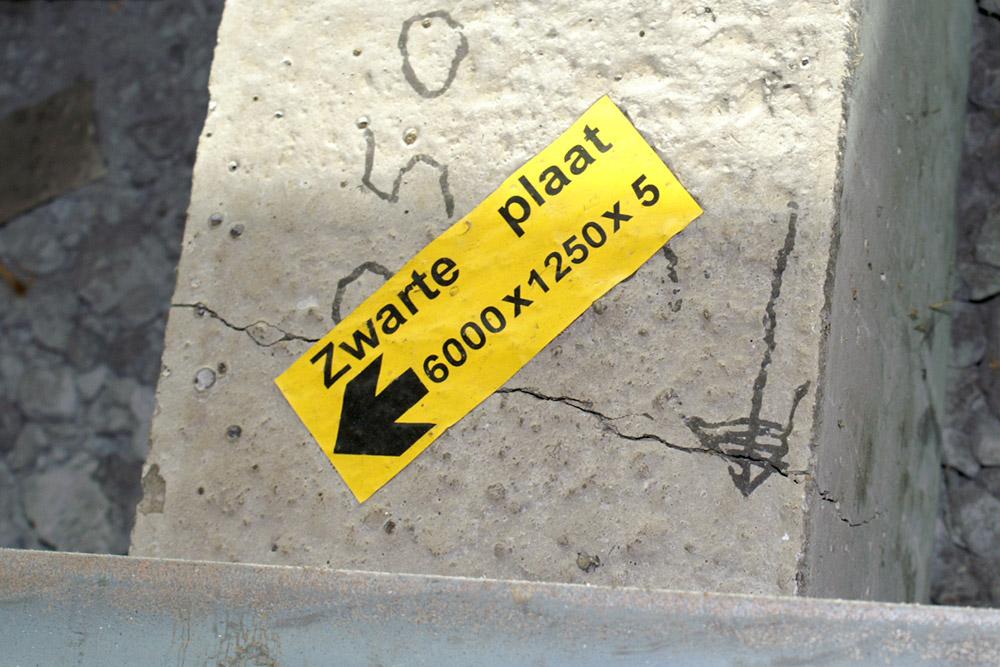 Stickers met extreem hoge kleefkracht voor lastige ondergronden zoals beton